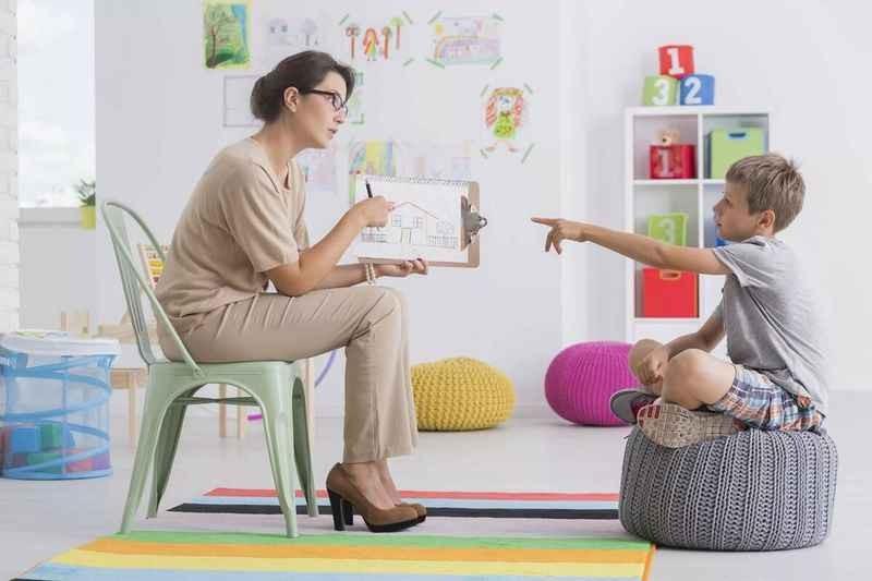 لزوم مراجعه به روانشناس کودک برای ایجاد آینده بهتر برای کودکان